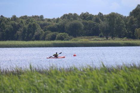 Dave Horkan Kayaking the Shannon Sprint solo record.